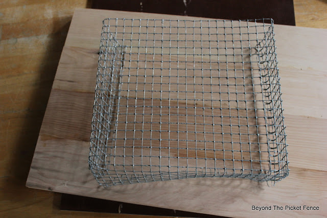 chicken wire, DIY, Country Living, magazine holder, industrial, read, rustic, project challenge, http://bec4-beyondthepicketfence.blogspot.com/2015/08/project-challenge-chicken-wirescreen.html