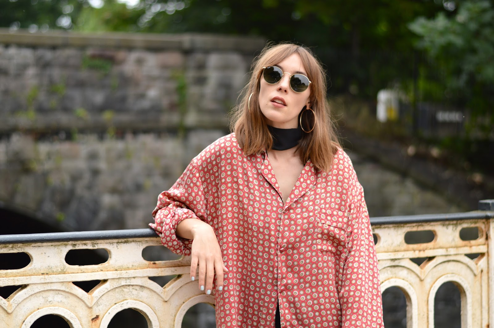 Seventies pyjama style shirt and gold hoops