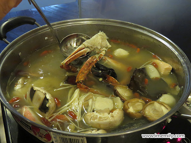 Steamboat Dinner Tempt Diners at Chatz Brasserie