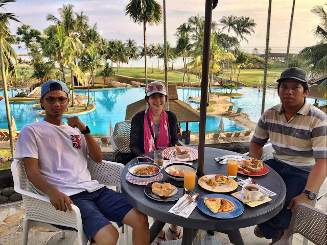 breakfast Bintan Lagoon Resort