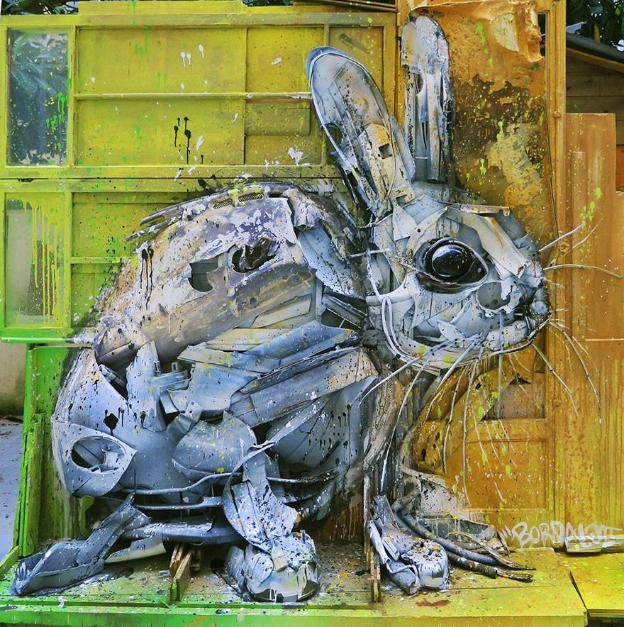 Kelinci Putih - Seni Lukisan Binatang Menakjubkan Dan Kreatif Dari Bahan Sampah