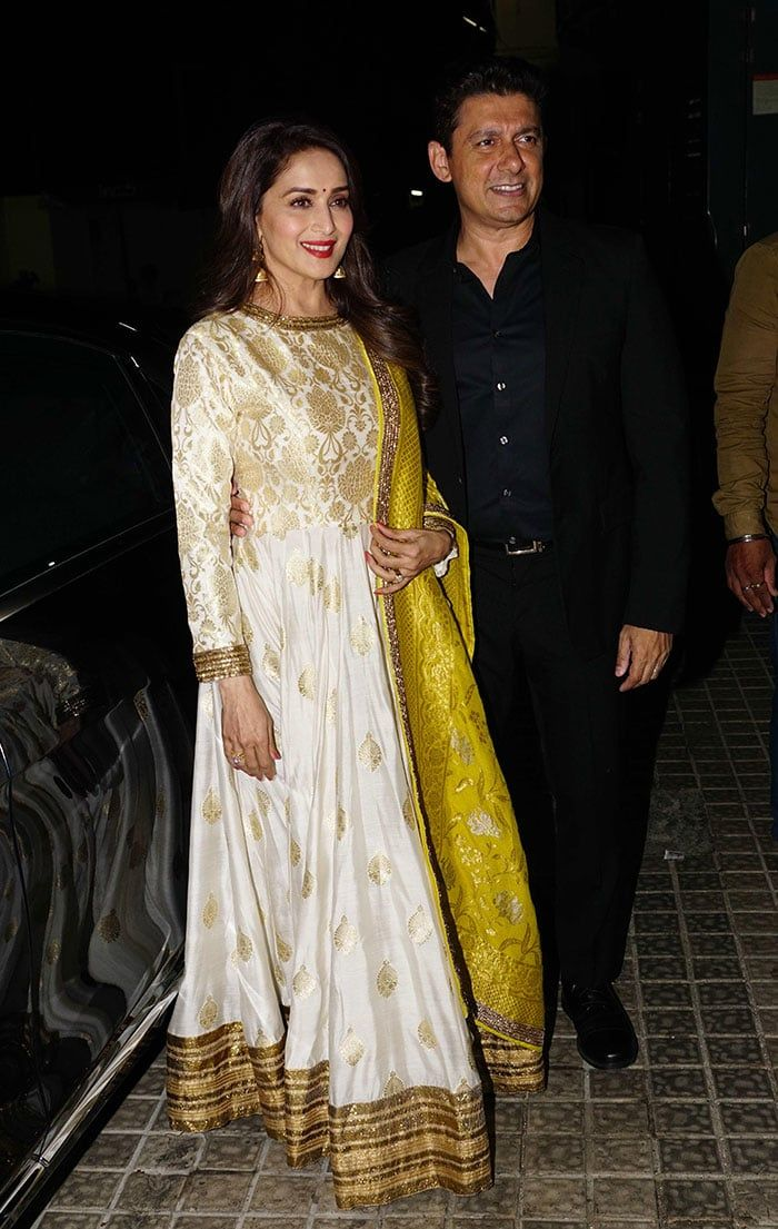120 Madhuri Dixit Latest Pics, Full Hd Images And Photo -1348