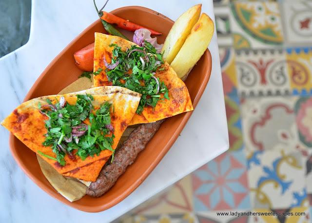 Enab Beirut Dubai mixed grill