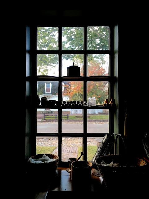 Apothecary in Colonial Williamsburg via foobella.blogspot.com