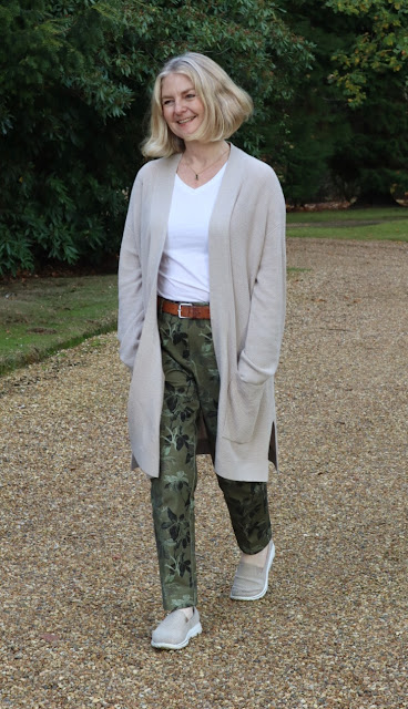 muttonstyle image showing M&S everywear trousers