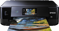 O driver Epson Expression Photo XP-760 é uma aplicação para controlar a impressora fotográfica all-in-one Epson Expression Photo XP-760. O driver funciona no Windows 10, Windows 8.1, Windows 8, Windows 7, Windows Vista, Windows XP. Também no Mac OS X 10.13 (MacOS High Sierra), MacOS Sierra, El Capitan, Yosemite, Mavericks, Leão de montanha, Leão, Snow Leopard, Leopard e Linux deb ou rpm. Você precisa instalar um driver para usar no computador ou nos celulares. Para obter mais informações sobre este driver, você pode ler mais do site oficial da epson.  Epson Expression Photo XP-760 baixar do driver Windows, Epson Expression Photo XP-760 baixar do driver Mac, Epson Expression Photo XP-760 baixar do driver Linux Epson Expression Photo XP-760 driver download Windows, Mac, Linux Funcionalidades Epson Expression Photo XP-760 :  Impressão de fotos de alta qualidade: tintas Claria Photo HD para fotos excepcionais e duradouras Flexibile: conectividade Wi-Fi e Ethernet e fácil impressão móvel Bandejas de papel duplas: uma para A4 e outra para papel fotográfico Meios versáteis: imprime em cartão grosso e CD / DVDs Conveniente: impressão frente e verso e alimentação automática  Como instalar o driver Epson Expression Photo XP-760 :  Ligue o computador onde deseja instalar o driver. Até que você não tenha sugerido conectar o cabo USB ao computador, não o conecte. Baixe o arquivo de configuração a partir do link acima, se você ainda não os baixou. Execute o arquivo de instalação como administrador. Aciona-se para iniciar o assistente de instalação. Em seguida, siga as instruções até terminar. Na execução deste assistente, você precisa conectar o cabo USB entre a impressora Epson Expression Photo XP-760 e seu computador. Então espere e ligue apenas quando ele pede que você se conecte. Ele detectará a impressora Epson Expression Photo XP-760 e continuará no próximo passo se tudo correr bem. Insira os valores para cada etapa no assistente e complete a instalação. O driver foi instal