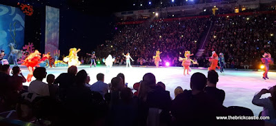 Disney On Ice  worlds Of Enchantment Little Mermaid cast on the ice