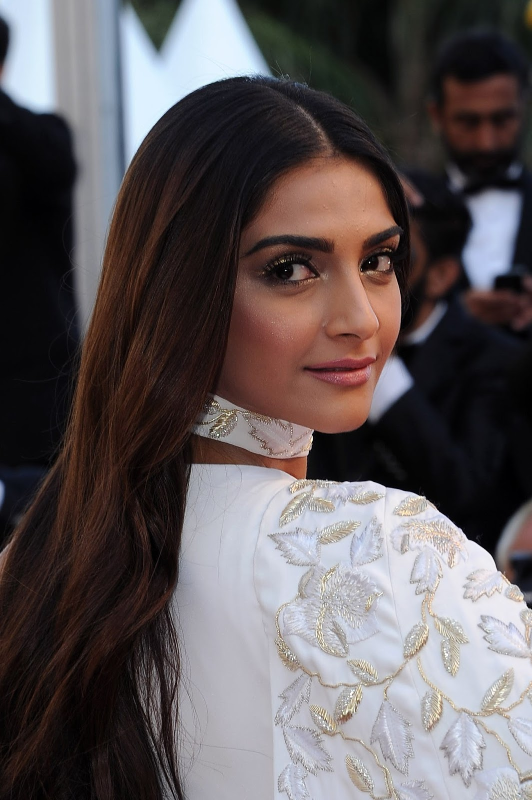Sonam Kapoor Looks Gorgeous In White Dress As She Attends -1517