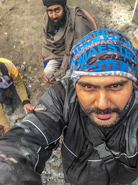 Gaurav Chopra busy clicking selfies on way to Mukteshwar Dham