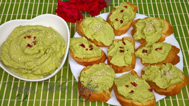 Przepis na Hummus z Awokado