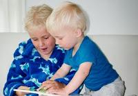 Manfaat-Membacakan-Buku-Pada-Bayi
