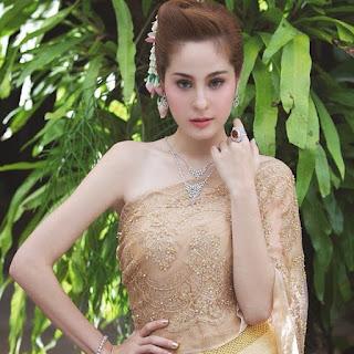 Người đẹp Thái Lan Kwan Usamanee