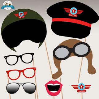 Idei masti pentru photobooth cu ochelari, chipiu capitan, casca pilot, insigne