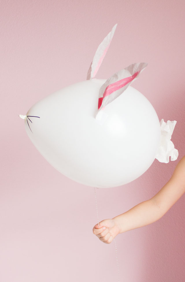 How to make Easter bunny balloons