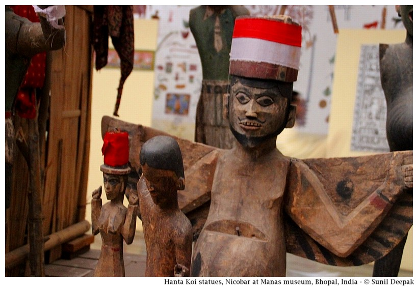 Hanta Koi statues, Nicobar island, India - Images by Sunil Deepak