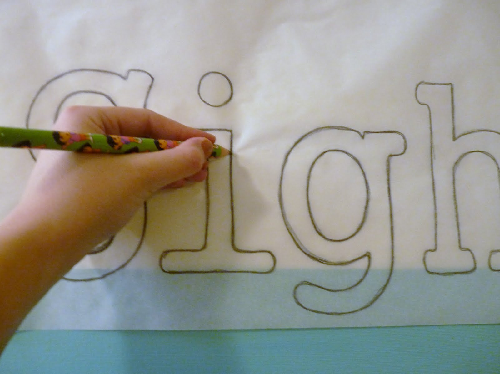 How do you use tracing paper