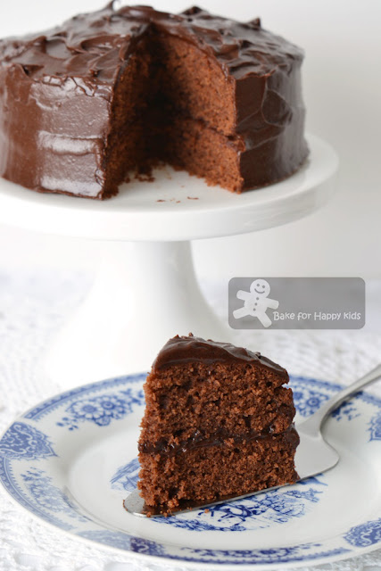 old fashion sour cream chocolate cake Nigella Lawson