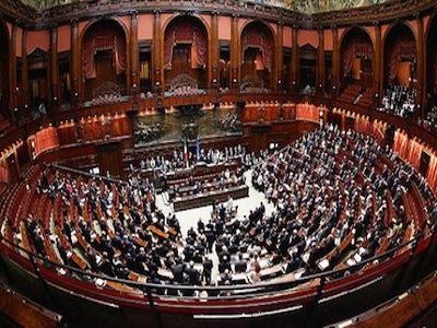 Stipendi parlamentari italiani 2017 quanto guadagnano for Numero dei deputati e dei senatori