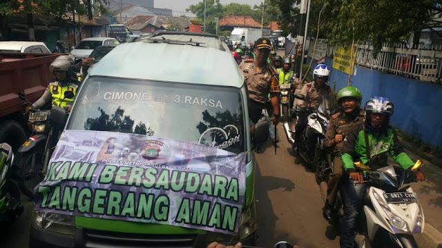 Ojek Online & Angkot di Tangerang