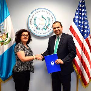 Quiroga College presente en el Consulado de Guatemala en Chicago