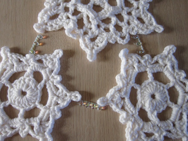snowflake, wall hanging, crochet, winter