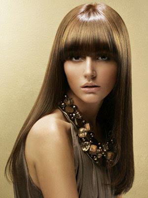 Model Rambut Layer Berponi