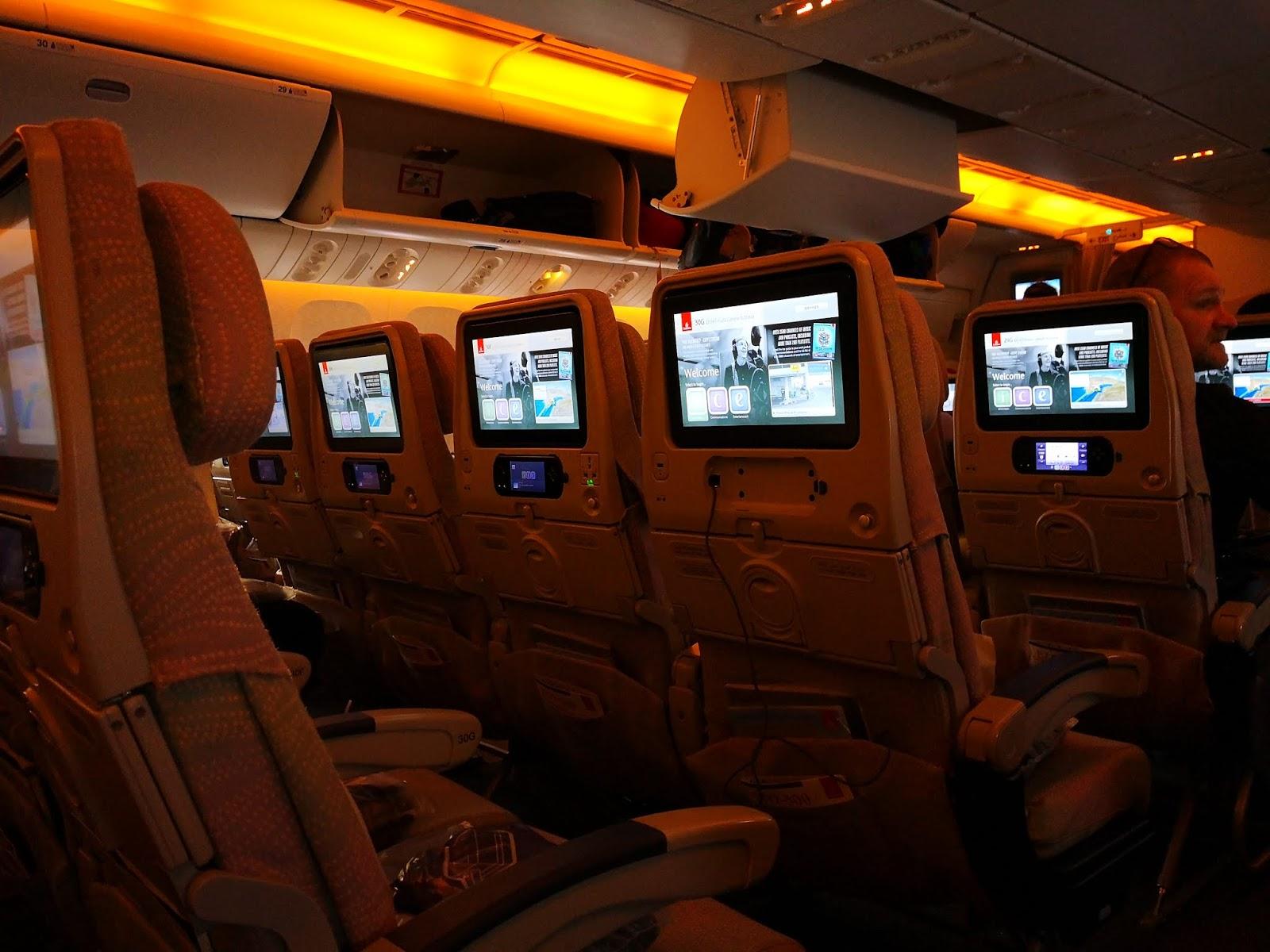 BookWorm Travel: Pengalaman naik Emirates dari KL ke New York