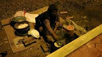 Penjual kue dange dan saraba Palu