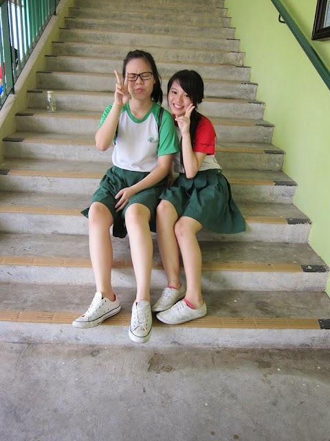 A random compilation of Singapore school girl [16pics]