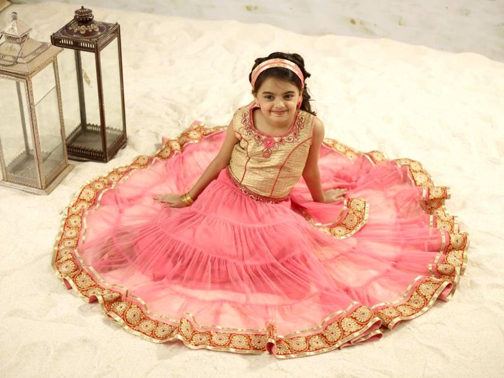 Foto Ruhanika Dhawan_Pemeran Ruhi Raman Bhalla_Serial Mohabbatein ANTV_Cantik Imut Cerdas_dua empat