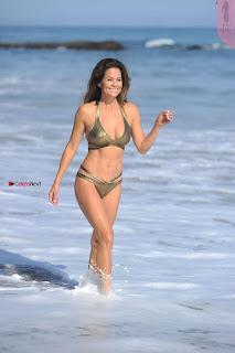 Brooke-Burke-In-Bikini-in-Malibu-09+%7E+SexyCelebs.in+Exclusive.jpg