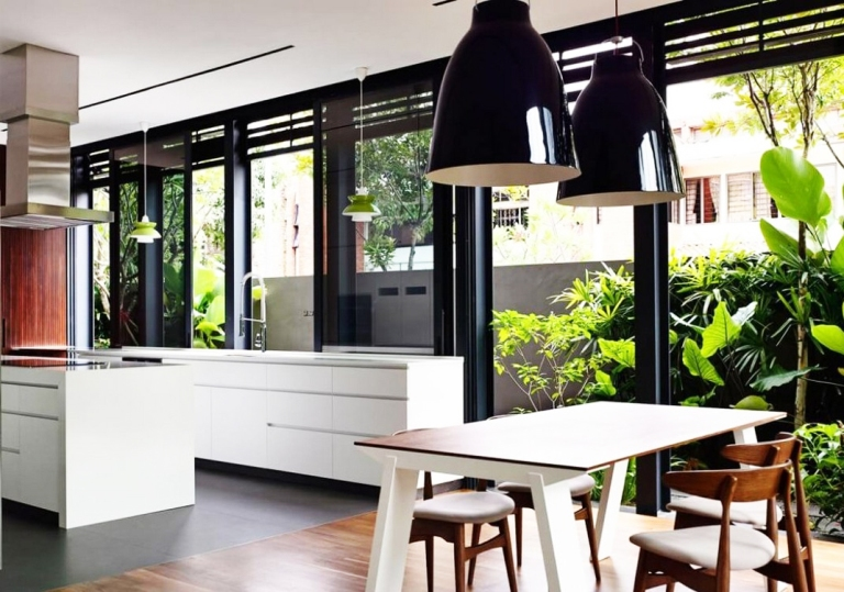 Desain Dapur Terbuka Dengan Taman Dibelakang Rumah Yang ...