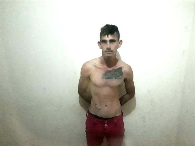 Suspeito de agredir pessoas em estrada no município de Cruzeiro do Sul é preso com escopeta