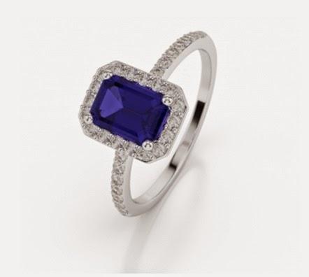 White Gold Emerald Shape Diamond Ring