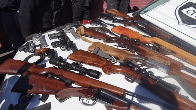 Resultado de imagem para armas apreendidas no brasil HD