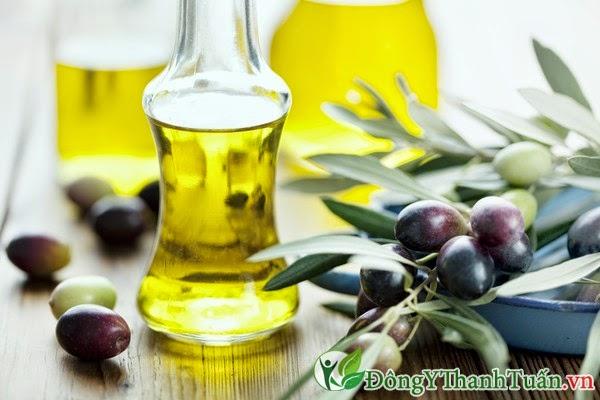Cách chữa đau lưng bằng dầu oliu