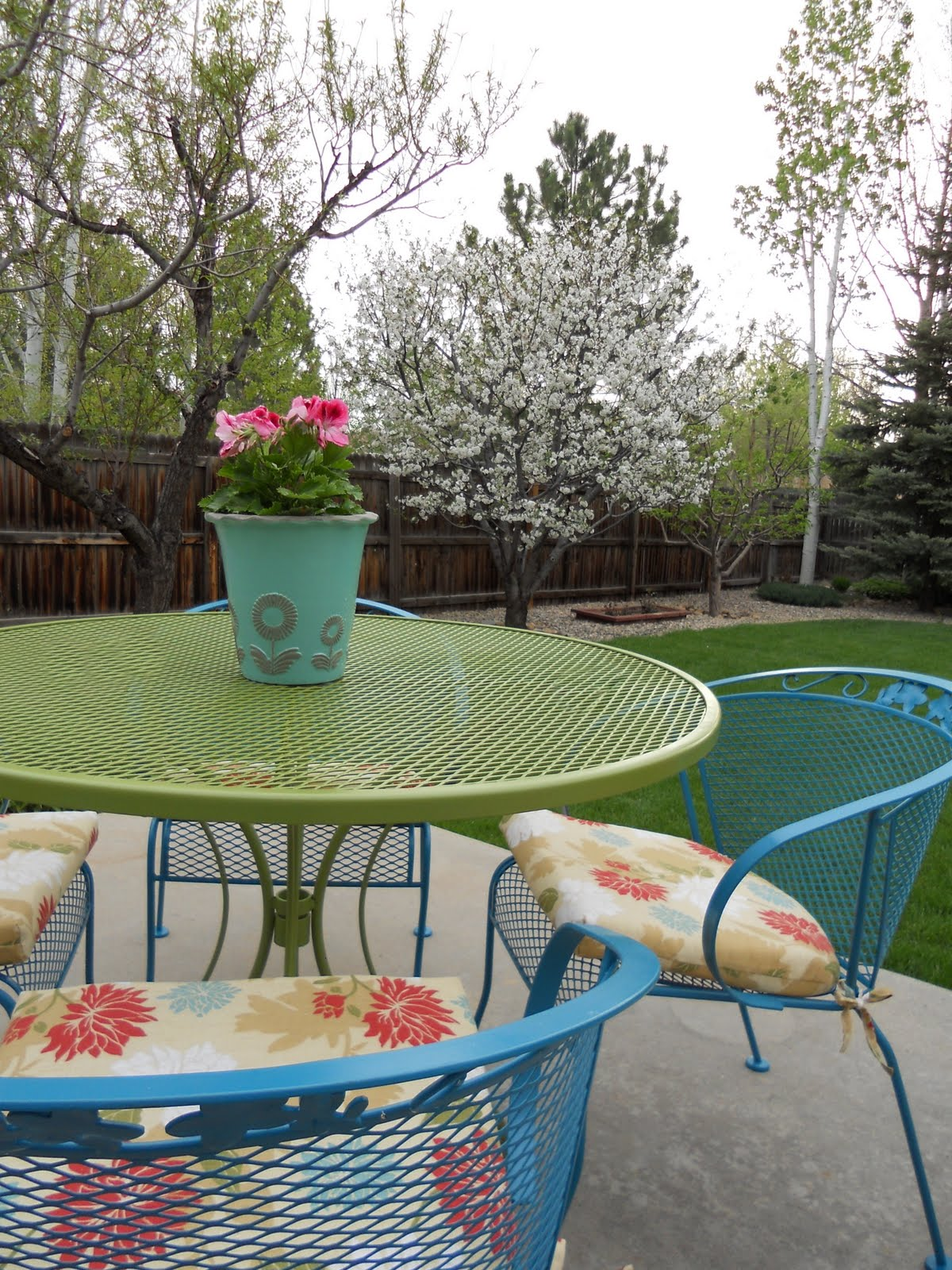 Just Another Hang Up: Patio Furniture Redo