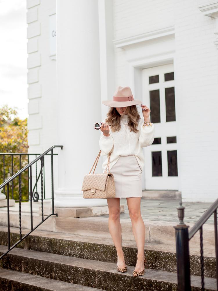 h&m powder beige short suede skirt