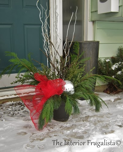 Using a plastic insert for your outdoor Christmas urns