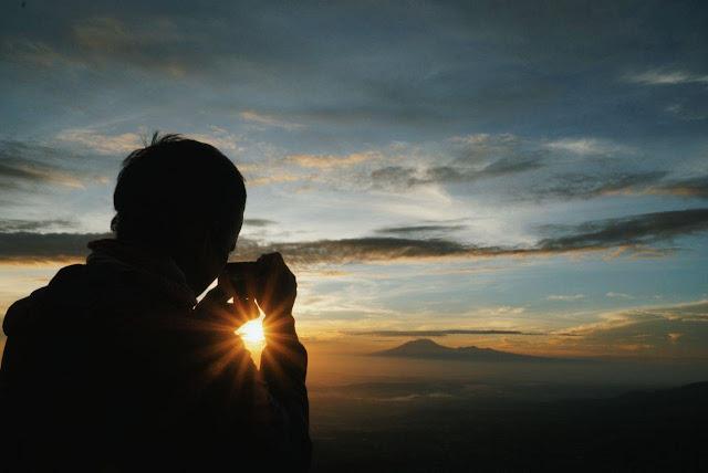 Matahari Terbit Gunung Telomoyo