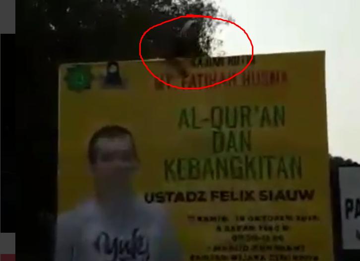 Kajian Ustadz Felix Dipindah, Spanduk Dicopot, Tapi Begini Penampakan Kajiannya!