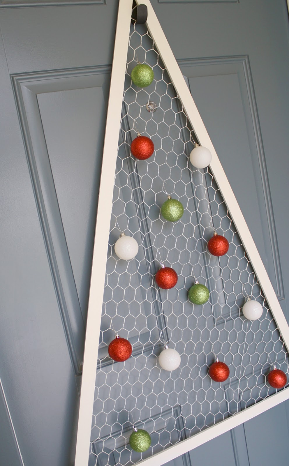 Chicken Wire Christmas Tree