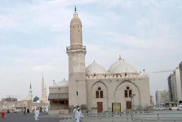 Mengapa Dinamakan Masjid Al-Ghamamah?