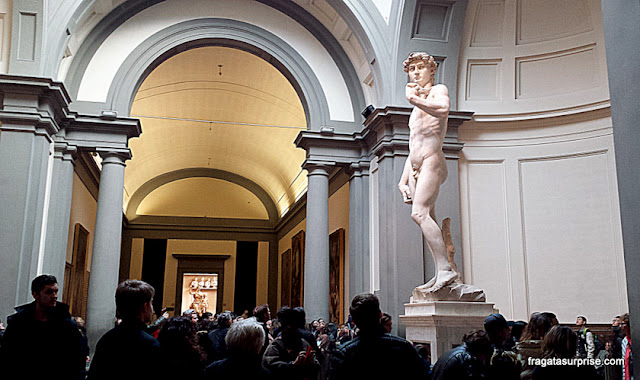 Davi de Michelangelo na Galleria dell'Accademia, Florença