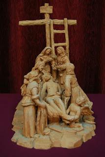 Ángel Carrero convoca a su cuadrilla para sacar al Cristo de las Almas y a la Virgen de la Salud y Traspaso de Córdoba sobre un paso de nueve trabajaderas