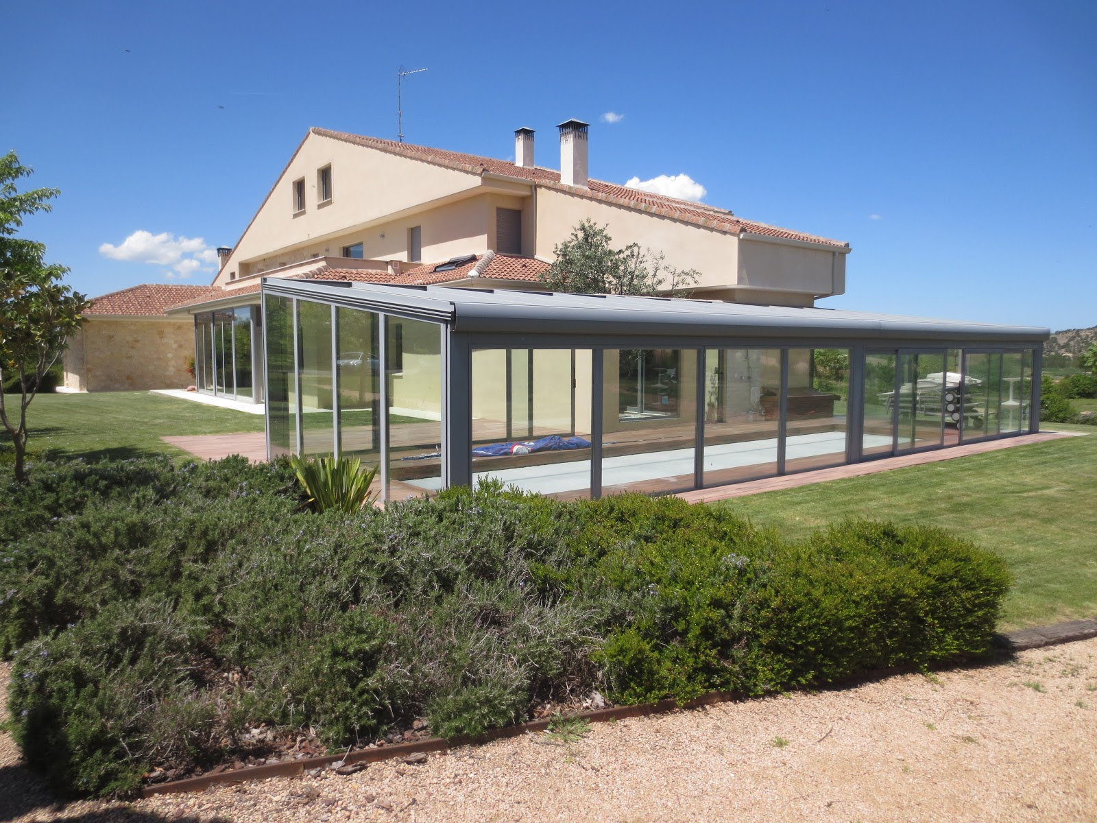 El talon sierte construcci n en segovia placas solares - Climatizar piscina exterior ...
