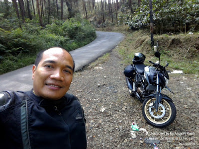 Selfie dengan background All New Honda CB150R di Jahim Pass