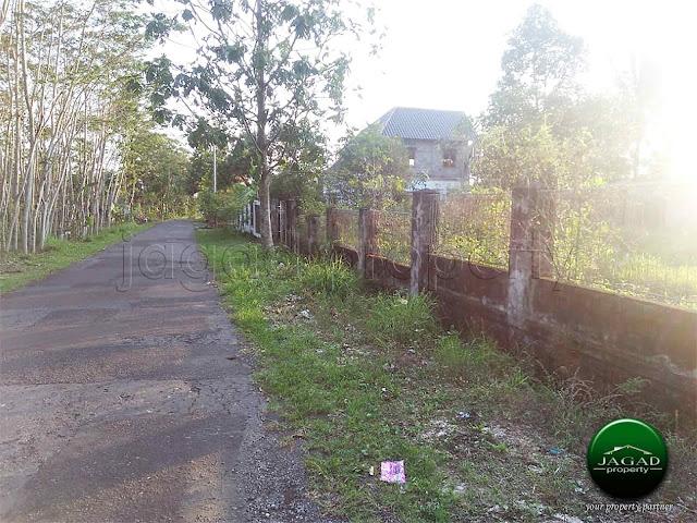 Tanah tepi jalan Aspal dekat Kampus UII