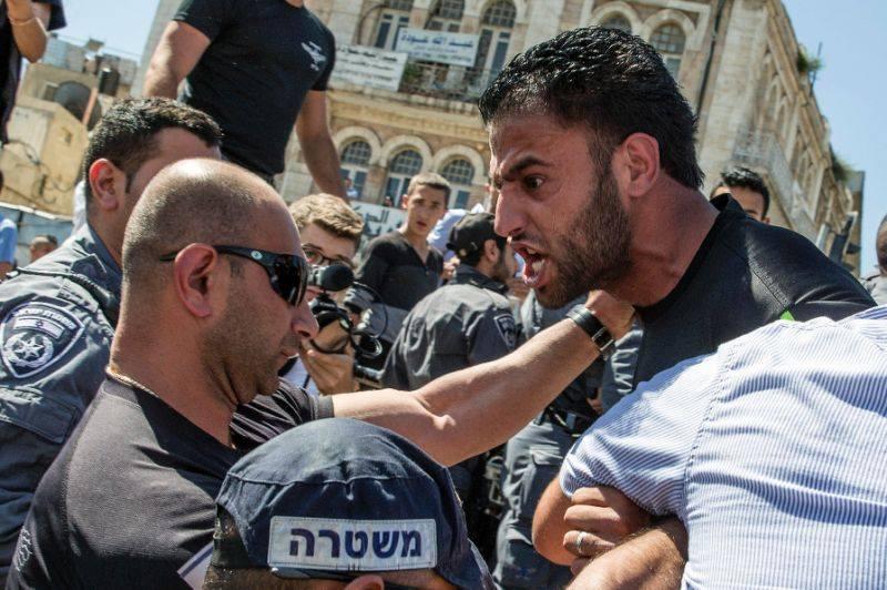 Affrontements à Jérusalem après l'interdiction de Palestiniens à la mosquée Al Aqsa.