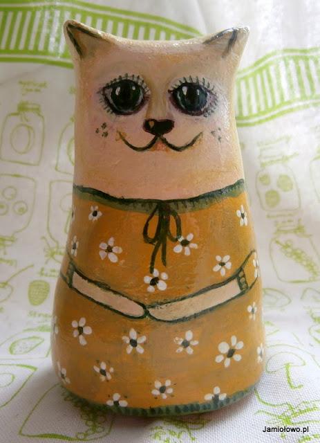 marcowe koty z masy solnej ręcznie malowane